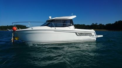 Rental Motorboat Jeanneau Merry Fisher 695 St-Malo
