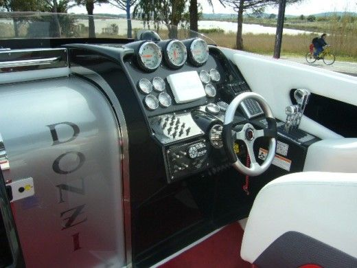 Motorboat Donzi 35 Zr peer-to-peer