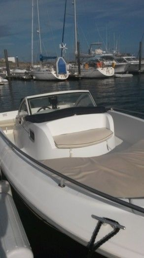 Motorboat BENETEAU OMBRINE 630 for hire
