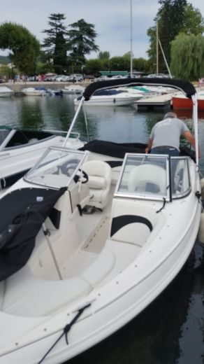 Larson 180sport in Aix-les-Bains for hire