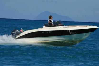 Rental Motorboat Eolo 650 Open Marseille