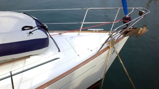Sailboat Beneteau Oceanis Clipper 411 for hire