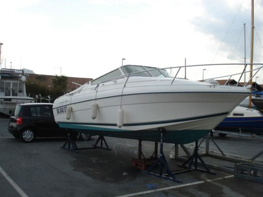 Motorboat JEANNEAU LEADER 705 for hire