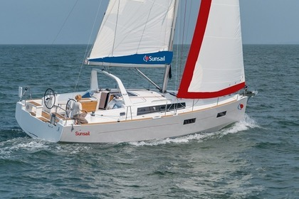 Hire Sailboat Sunsail 38 Tropea