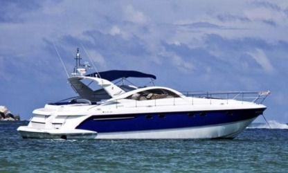 Charter Motorboat Fairline Targa 52 Cascais