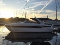 Motorboat Bavaria S40 Open for hire