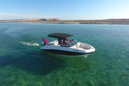 Hire Motorboat BAYLINER VR5 Ibiza