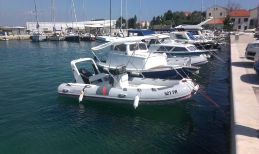 Charter rIB in Zadar peer-to-peer