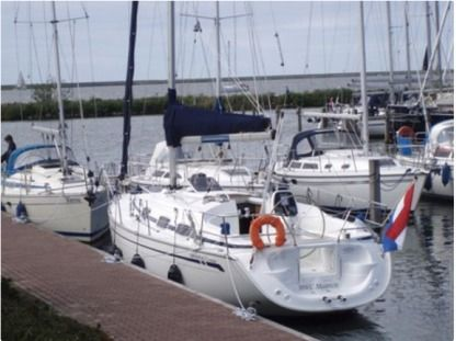 Charter Sailboat Bavaria 30 Cruiser Yerseke