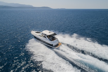 Rental Motorboat REGAL 4060 Commodore Samos