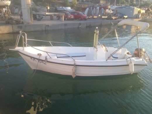 Reful 490 Open in Hvar for hire