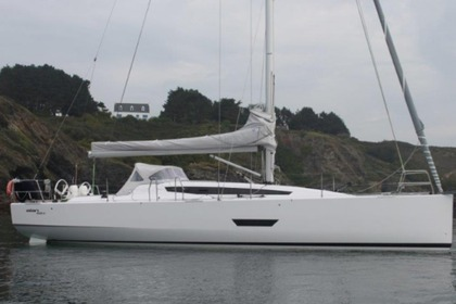 Charter Sailboat ELAN 400 Arzon