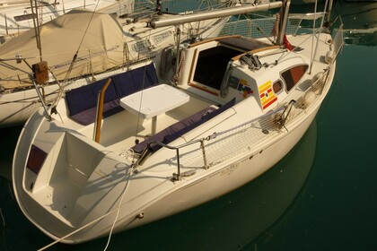 Hire Sailboat JEANNEAU SUN WAY 25 Golfe Juan