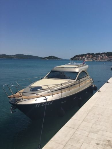 Rental motorboat in Zadar