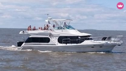 Charter Motorboat Bluewater Yachts 482 My Destin