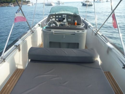Motorboat EXPRESSION BOAT Expression 25 for hire