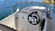 Motorboat Jeanneau Cap Camarat 5.1 Style for hire