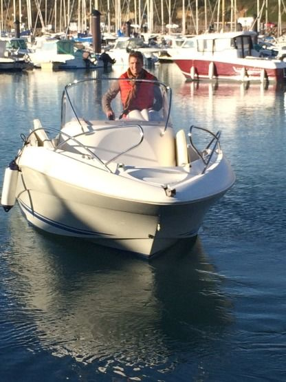Charter Motorboat Quicksilver Commander 555 Les Sables-d'Olonne