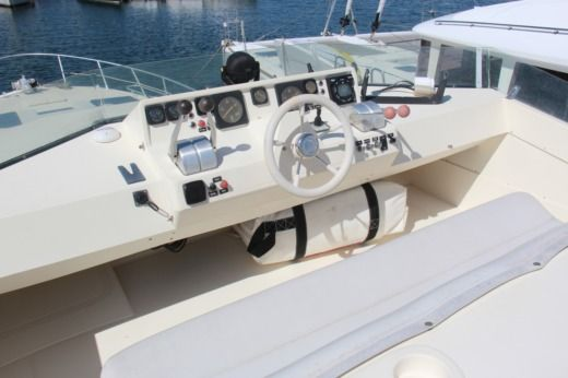 Charter motorboat in Propriano peer-to-peer