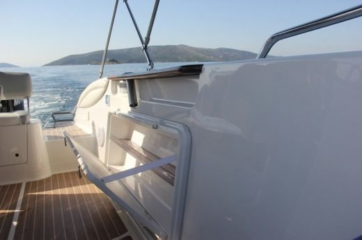 Charter motorboat in Trogir peer-to-peer