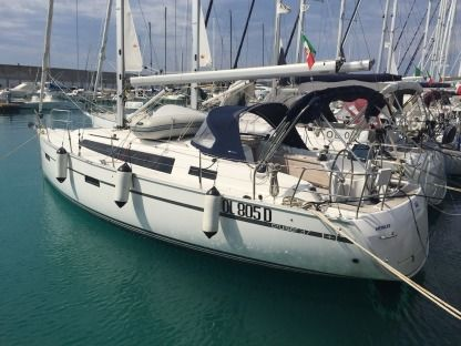 Rental Sailboat Bavaria Cruiser 37 Castiglioncello