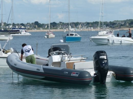 Charter rIB in Dinard peer-to-peer