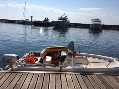 Rental Motorboat Capelli Cap 17 Cannes