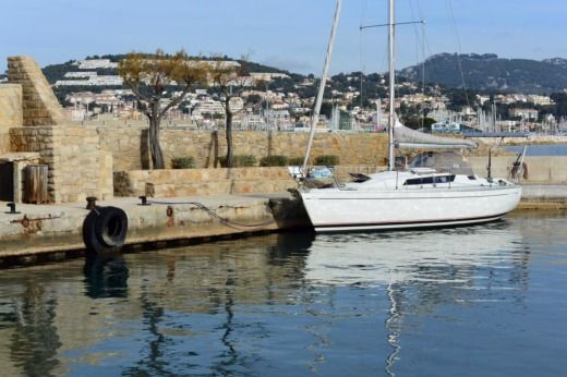 Jeanneau Sun Light 30 in Saint-Cyr-sur-Mer for rental