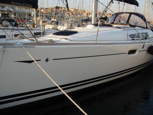 Jeanneau 39I Performance in Valencia for hire