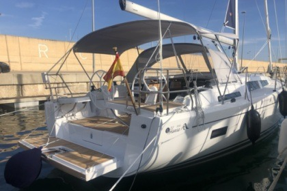 Hire Sailboat Hanse 388 Valencia
