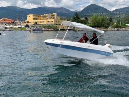 Charter Motorboat Compass Boat Vale 4.2 Verbania