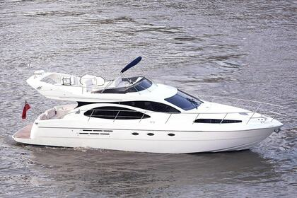 Rental Motorboat Azimut 46 Flybridge London