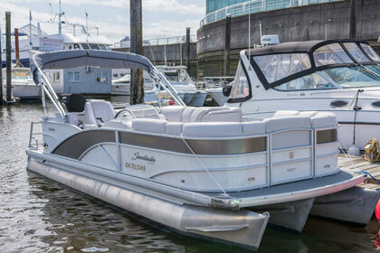 Rental Motorboat Godfrey Sweetwater 2280 Vancouver