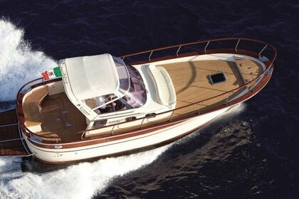 Hire Motorboat FRATELLI APREA Sorrento 32 Positano