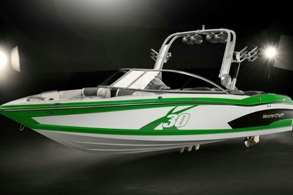 Hire Motorboat Mastercraft X30 New Buffalo