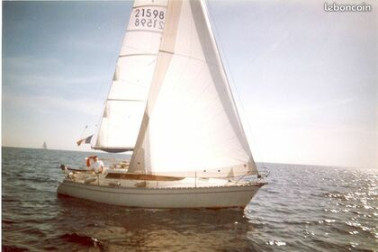 Hire Sailboat Jeanneau Sun Dream 28 St-Laurent-du-Var