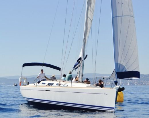 Dufour Dufour 40 Performance in Hyères for hire