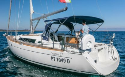 Charter Sailboat Beneteau Oceanis 37 Portisco