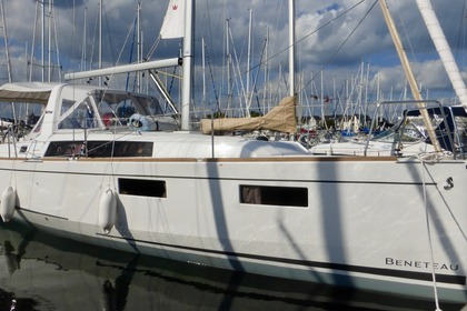 Rental Sailboat BENETEAU oceanis 35i Arzon