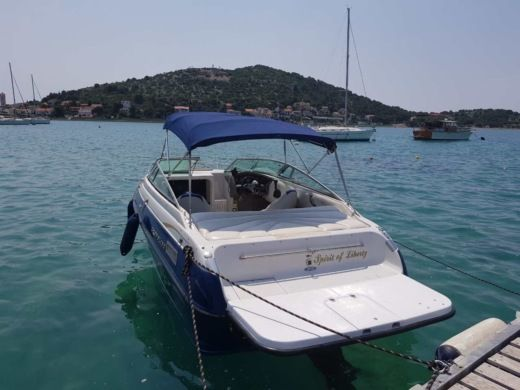 Motorboat Crownline 205 Ccr for rental