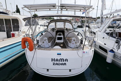 Rental Sailboat BAVARIA CRUISER 37 Zadar