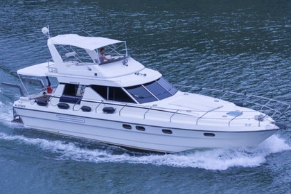 Hire Motorboat PRINCESS 45 Lisbon