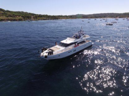 Rental Motorboat Guy Couach 2200 Fly Ajaccio