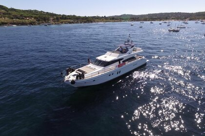 Location Yacht GUY COUACH 2200 FLY Ajaccio