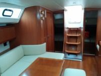 Sailboat Beneteau Oceanis 40