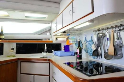 Charter Motorboat American Cruiser 42.80 Flybridge Palermo