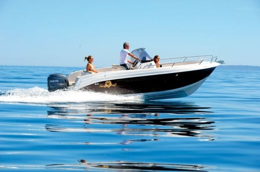 YAMAHA PACIFIC CRAFT 630 in Marseille peer-to-peer