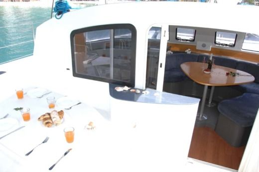 Catamarano Fountaine Pajot Lavezzi40 da noleggiare