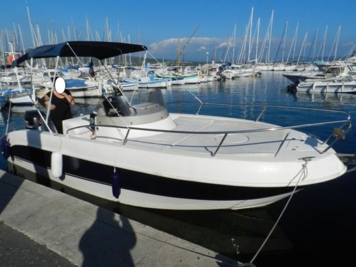 Mano Marine 21.50Wa in La Ciotat for hire