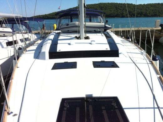 Sailboat BENETEAU Oceanis 55 for hire